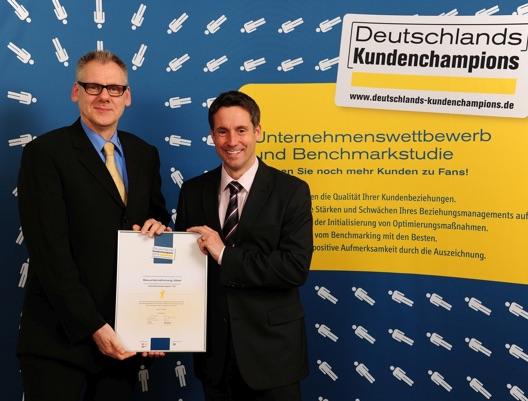 BUJ-Foto Kay Praag links - Peter Jökel rechts DSCH 2014 + Quellenangabe klein.jpg